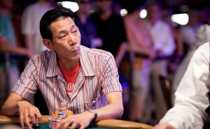 Professional Minh Lee is Leading in Chip Count